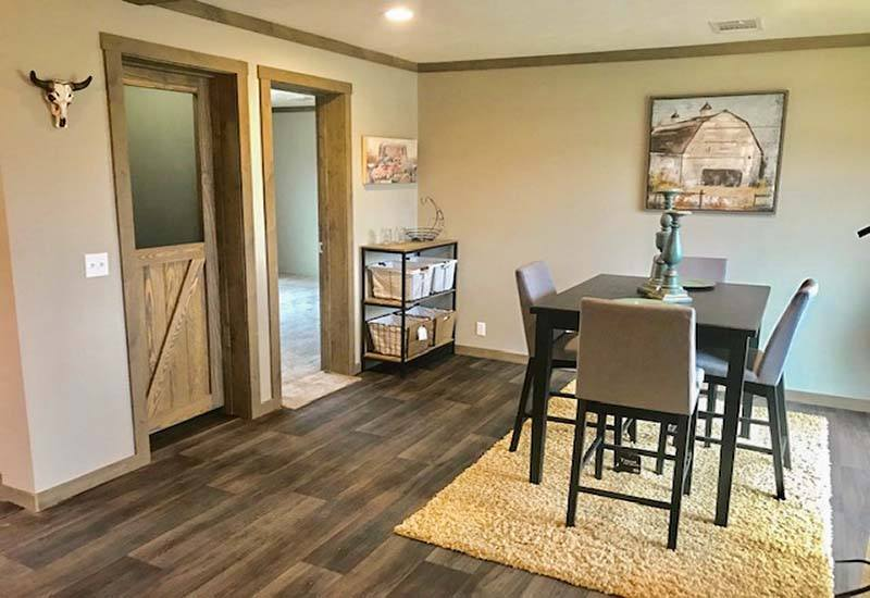 Clayton Nellie - Mobile Home - Dining Area